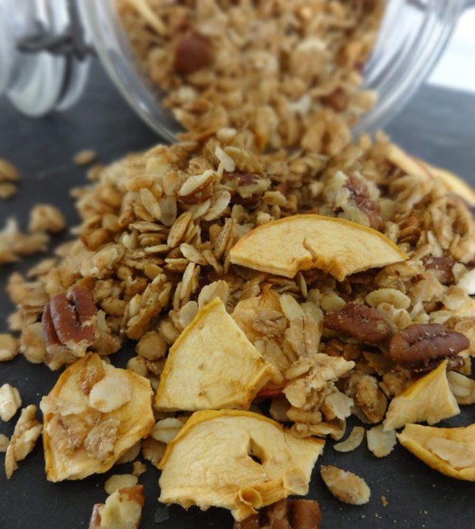 Granolas noix de pécan, sirop d'érable et pomme