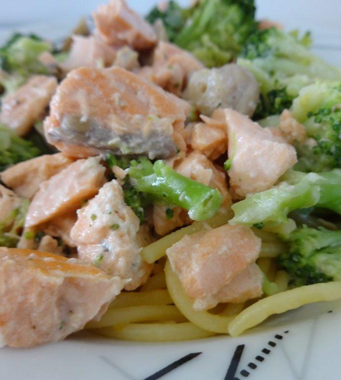 Pâtes au saumon et aux brocolis