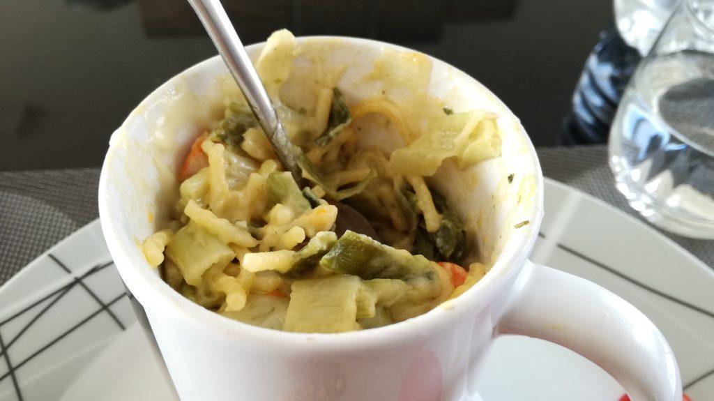 """Mug cake """" pâtes, poireau et carotte"""" ( sans gluten, végétarien )"""