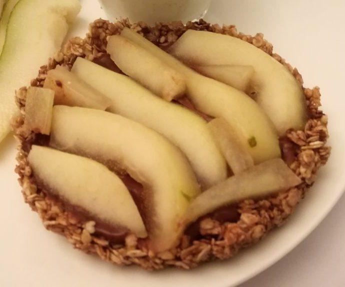 Tartelette aux flocons d'avoine poire et chocolat ( sans gluten, sans lactose, sans beurre )