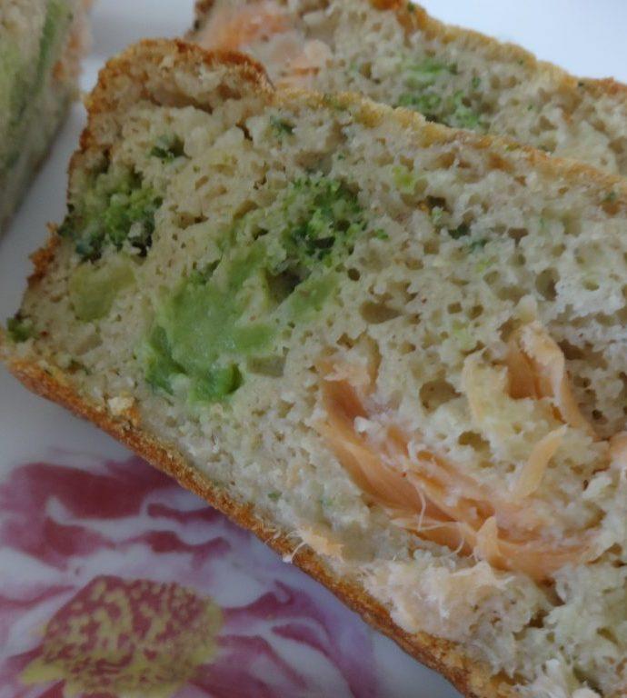 Cake au saumon fumé et brocolis ( sans matière grasse )