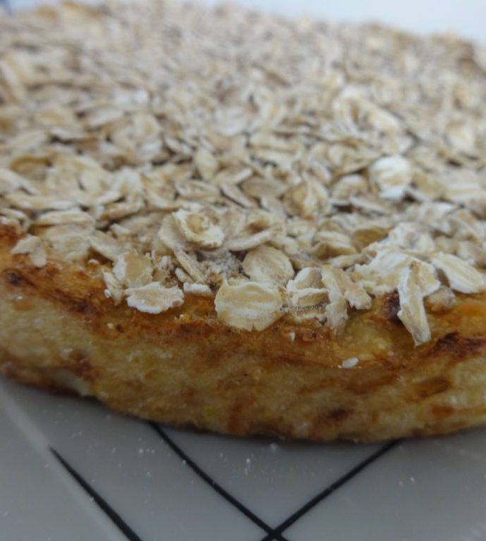 Le gâteau de chou-fleur et sa crème amandes-curry ( sans gluten, sans lactose, sans matière grasse )