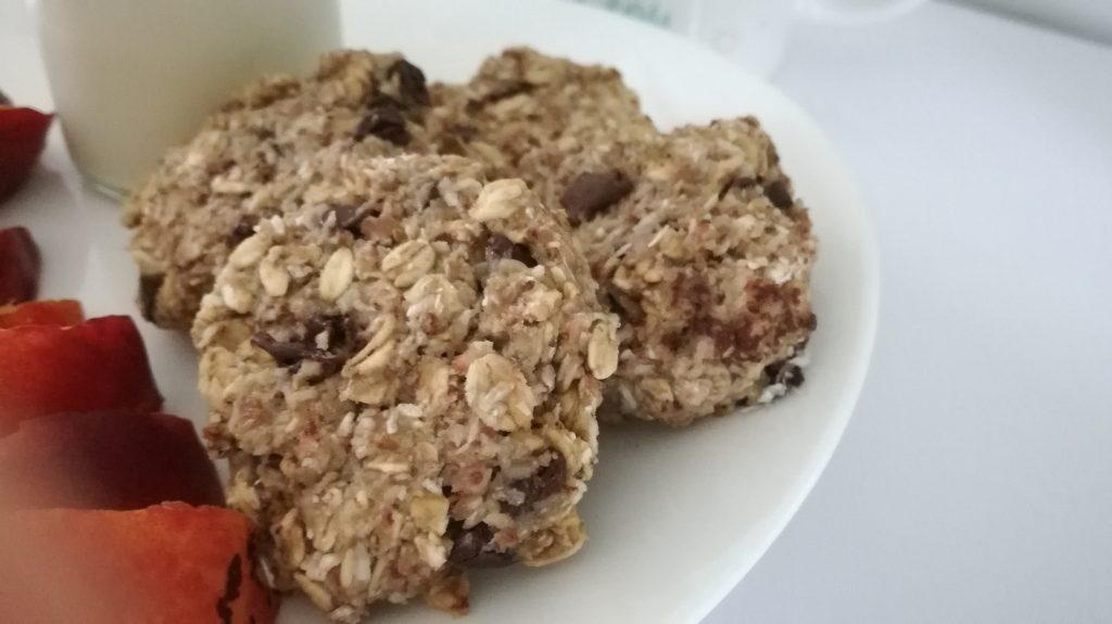 Biscuits aux flocons d'avoine et pépites de chocolat ( sans beurre, sans sucre )