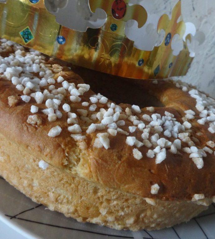 Couronne briochée au sucre perlé ( brioche des rois )