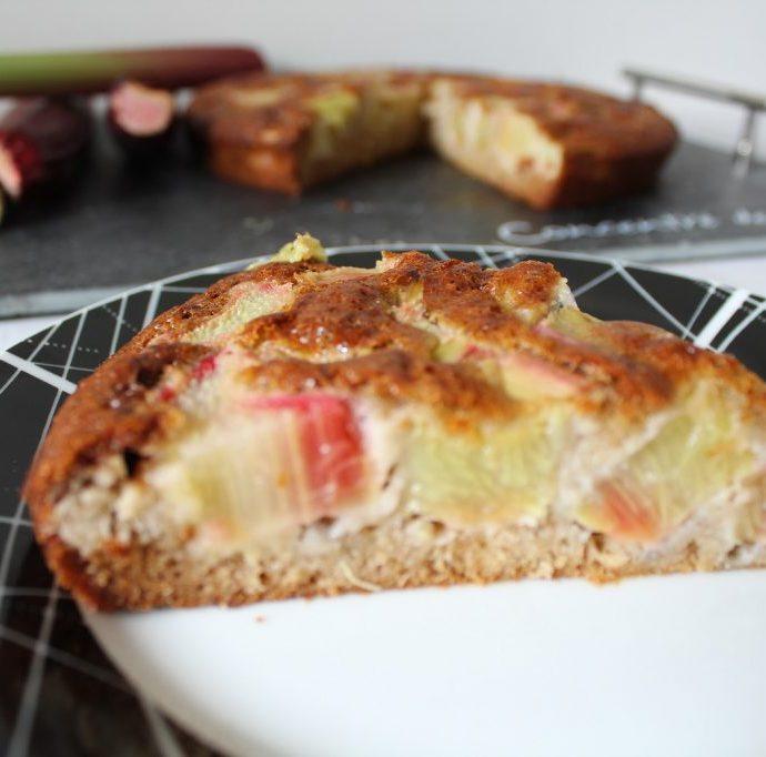 Gâteau à la rhubarbe ( sans gluten, sans lactose )