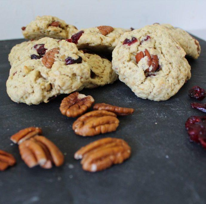 Cookies aux flocons d'avoine , cranberries et noix de pecan