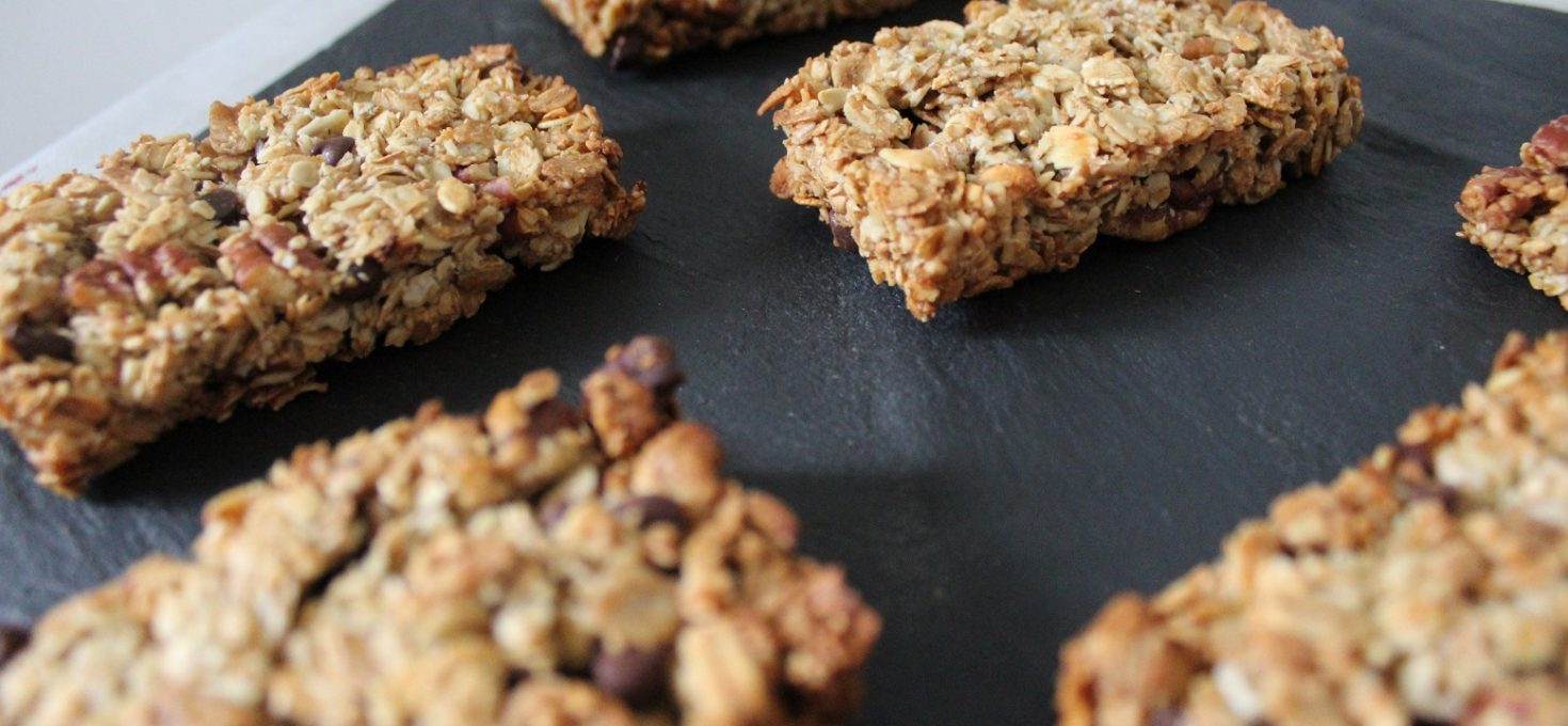 Barres de céréales aux noix de pécan et pépites de chocolat