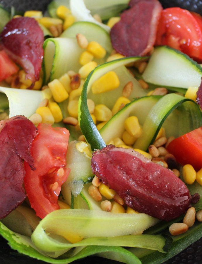 Salade de courgettes et magret fumé